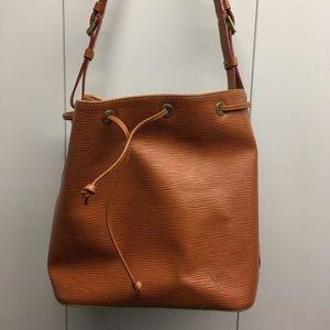 100% authentic Louis Vuitton Epi bucket bag!